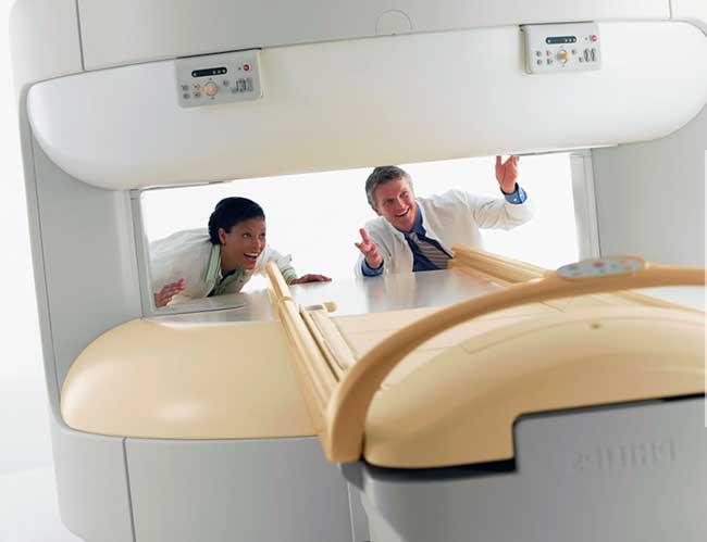 современный томограф открытого типа